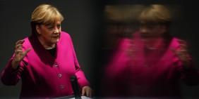 Angela Merkel am 25. März 2021 im Bundestag   Bild: picture alliance/dpa   Michael Kappeler